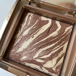 Hourglass Ambient Bronzer Diffused Light